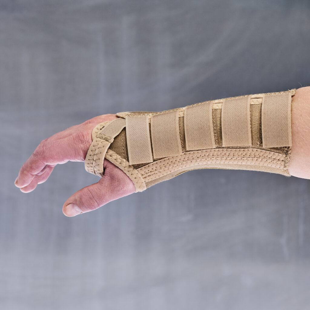 Håndledsskinne til Karpal tunnel syndrom